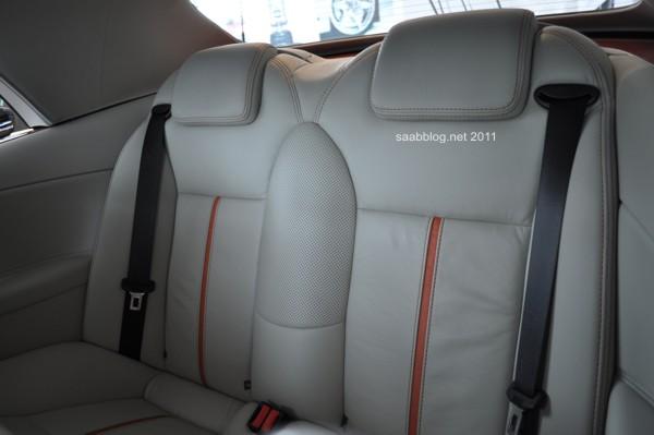 """Saab 9-3 Cabriolet """"Independence Day Edition"""" Backseats in Bi-Color Leder"""