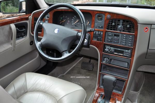 Saab 9000 CSE interior; burl