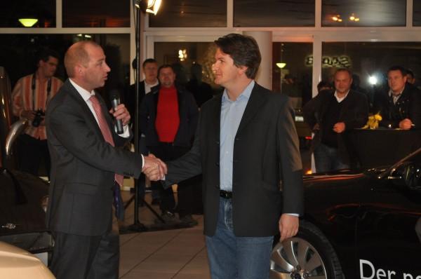 Geburtstagskind Mark und Saab Deutschland Chef Jan-Philipp Schuhmacher