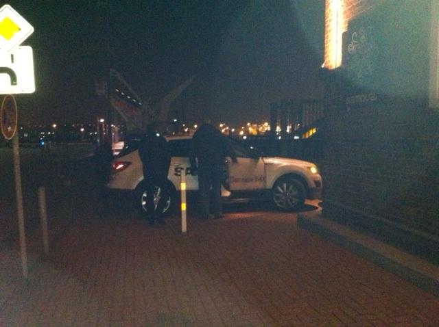 Gestern Nacht: Saab 9-4x im Hamburger Hafen