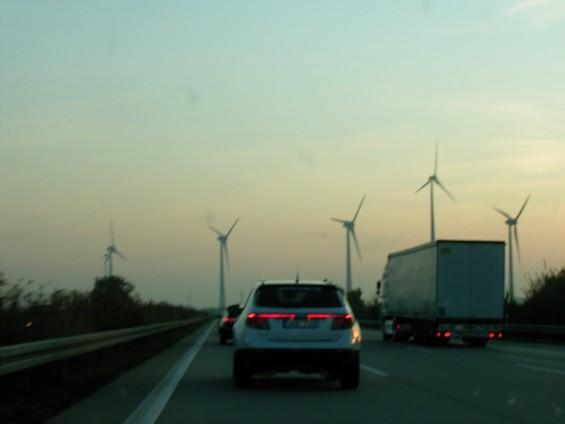 Saab 9-5 Sportkombi und Saab 9-4x unterwegs auf der Autobahn