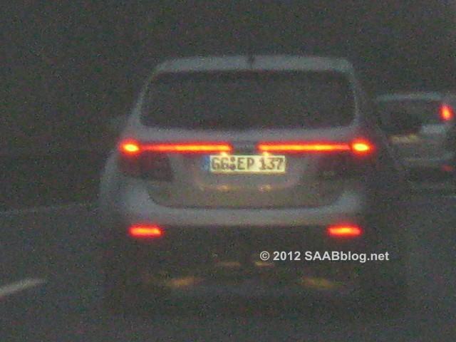 Saab 9-4x, på väg med GG nummerplatta (Rüsselsheim)