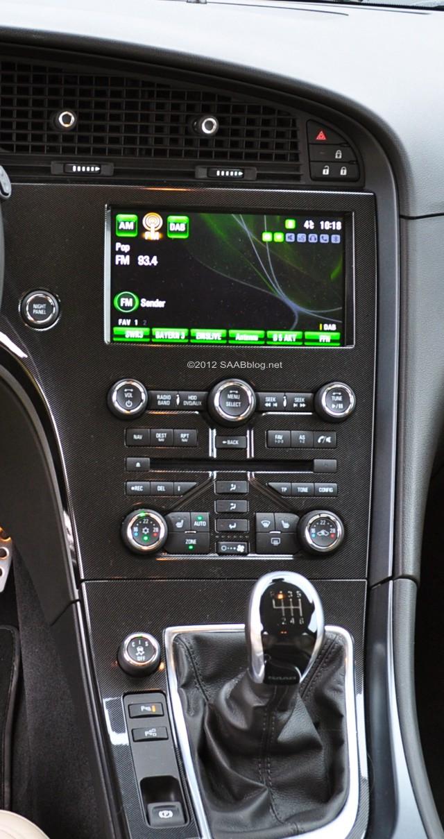 Saab 9-5, modeljaar 2012 middenconsole