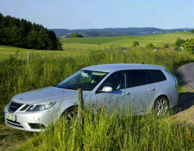 Abbigliamento sportivo Saab 9-3, la bellissima EVE