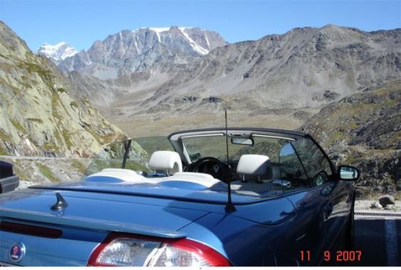 Saab 9-3 Cabriolet on the way to Italy. Picture of Otto