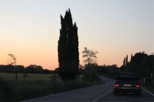 Saab 900 kvälls humör i Toscana. Bild på Otto.
