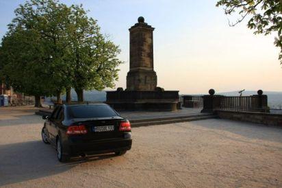 Saab 9-3 auf der Festung Ehrenbreitstein. Foto von Erik.