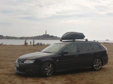 Ropa deportiva Saab 9-3 en Istria. Foto de Peter.