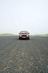 Saab 90 auf Flughafenpiste. Foto von Johannes.