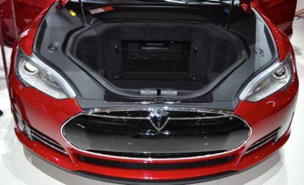 Noch ein Kofferaum: Staufach Nummer 2 im Tesla S