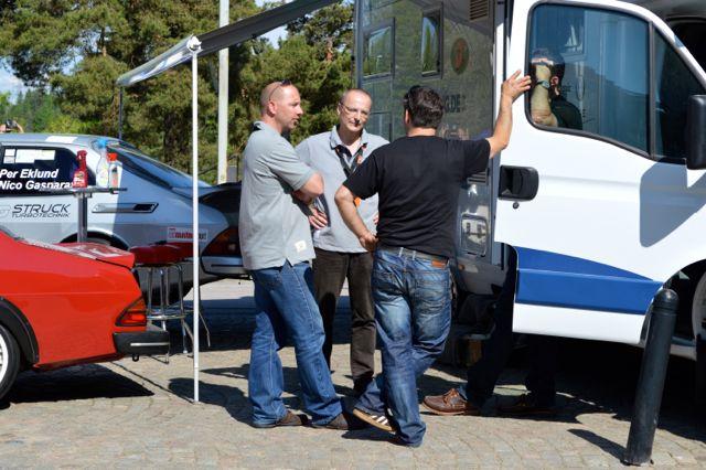 Saab Parts Германия босс Ян-Филипп Шухмахер и Том посещают Нико Гаспаратос