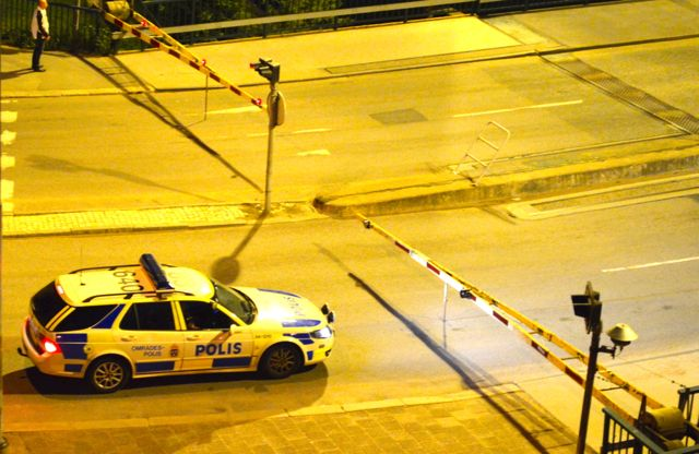 SAAB 9-5 Polis. Vida noturna em Trollhattan. Mas ... no futuro direcionaremos BMW!