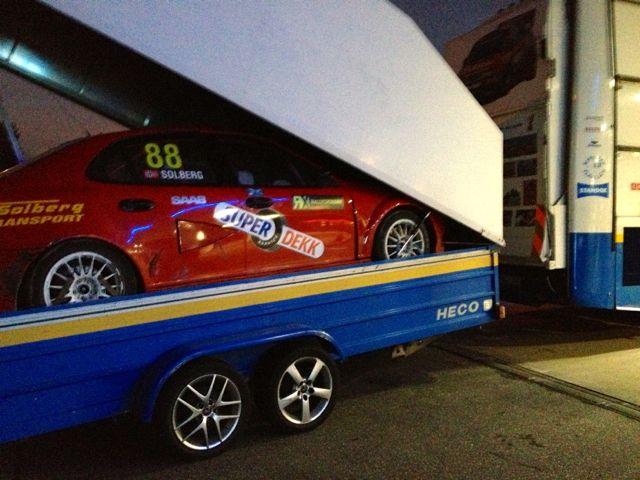 À noite na estrada: Per Eklund Racing e Saab 9-3