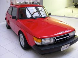 Saab 900 con motore centrale