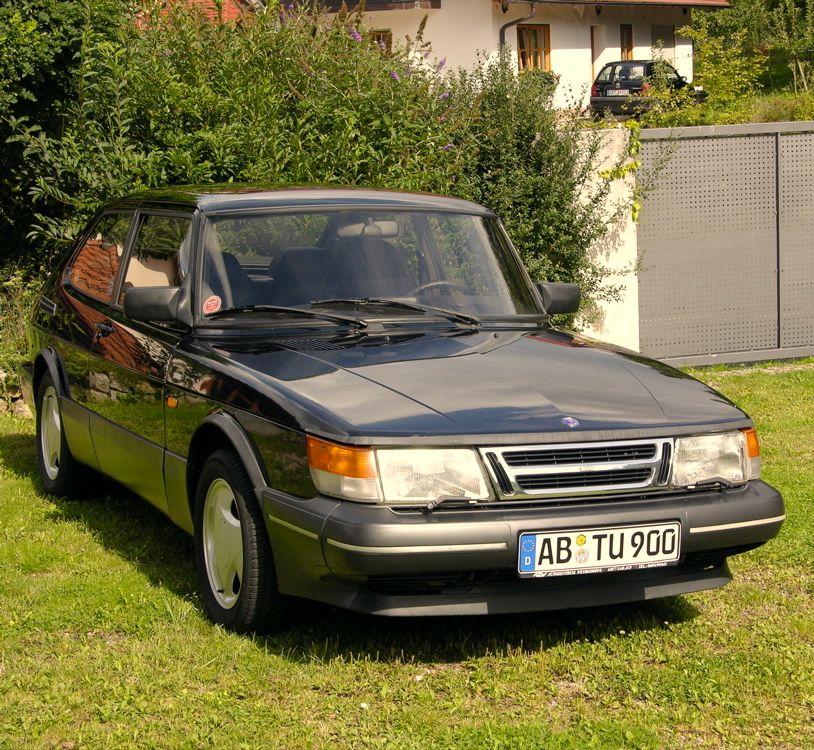 """Saab 900 S """"Sport"""" 1992. © 2014 saabblog.net"""