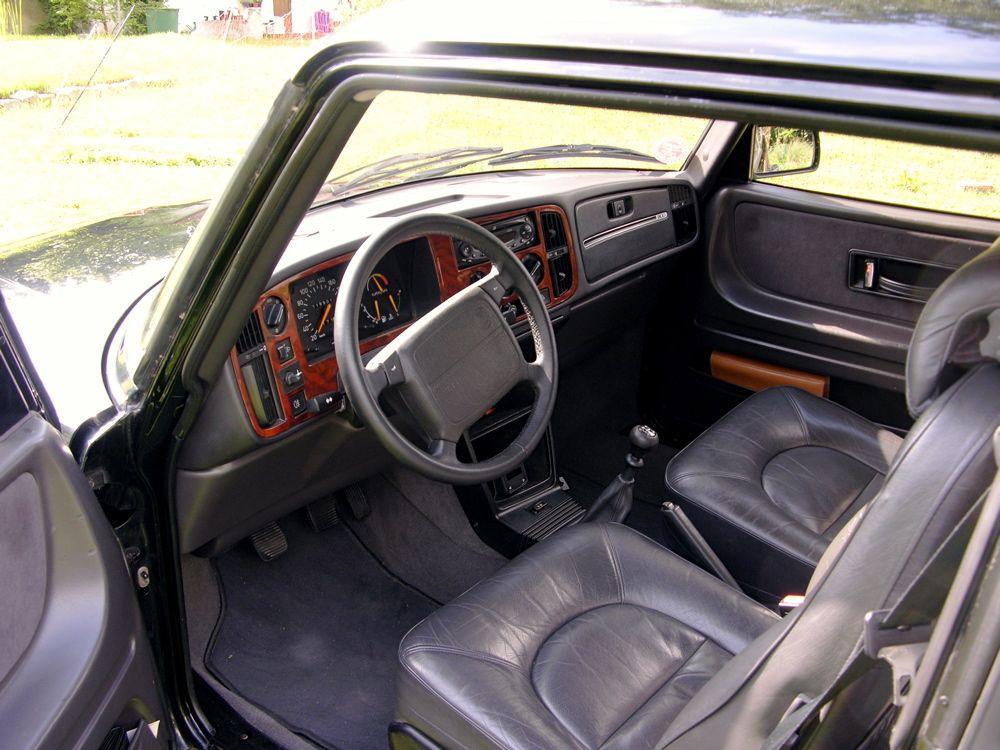 Luxus der 90er Jahre - Holz und Leder im 900 S © 2014 saabblog.net