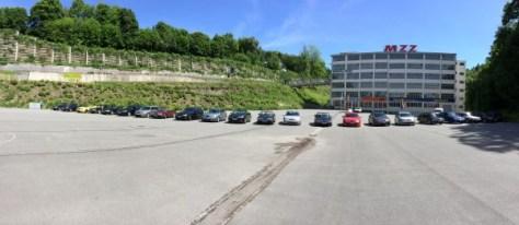 Fotostop voor een historische achtergrond - de voormalige MZ-fabriek in Zschopau