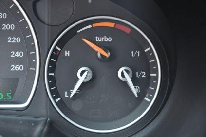 Turbo X Merkmal, Ladedruckanzeige ©2014 saabblog.net