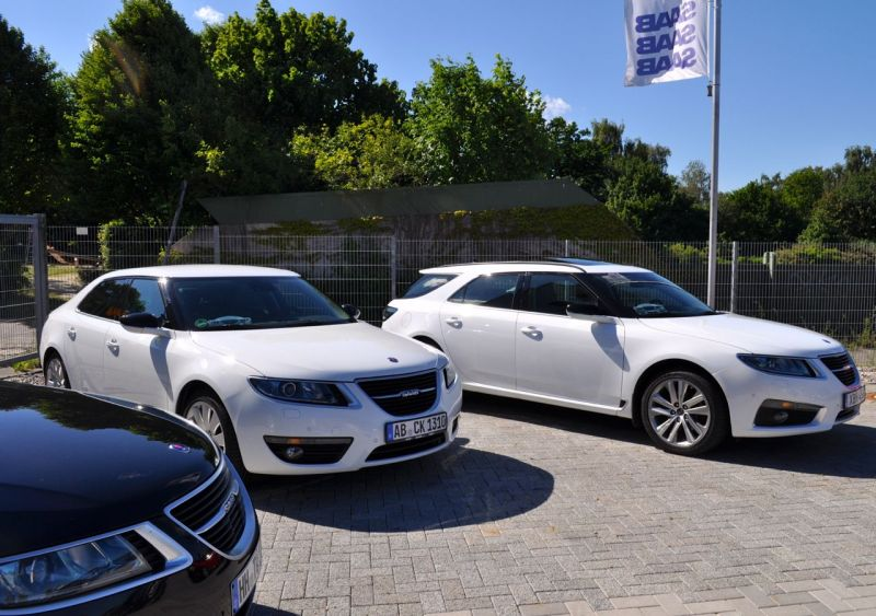 Saab 9-5 NG спортивная тележка и седан. Транспортные средства Мишель и Тома. Добро пожаловать в команду!