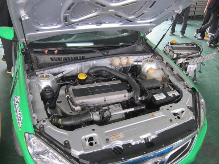 Senova D70, ex Saab 9-5 OG. 2.0 liter met Saab Trionic