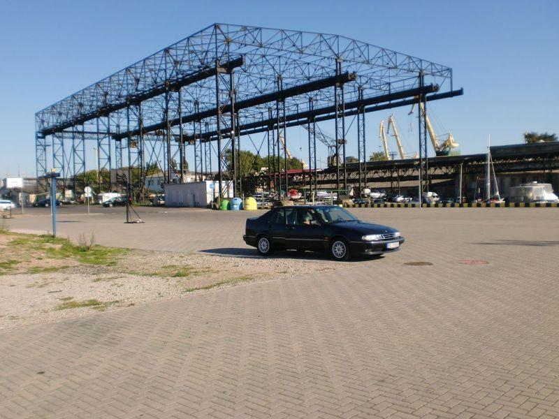 Saab 9000 e l'ex cantiere navale di Lindenau quando Klaipeda era ancora Memel. © 2014 Gerd Pitschmann