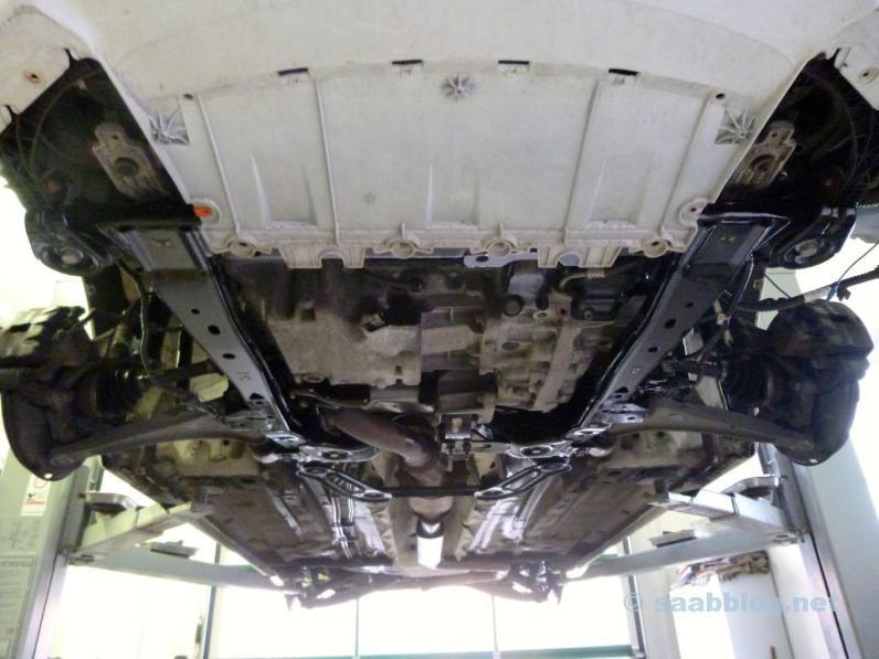 Saab 9-5 Unterboden, schon behandelt