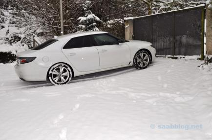 Saab 9-5 im Schnee. Das passt.