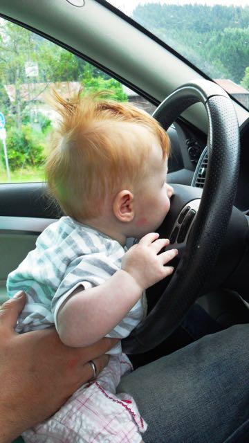 ... um beijo no volante