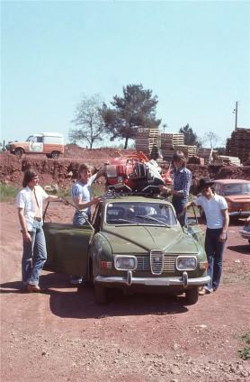 Frühling 1977, unterwegs mit meinem ersten Saab 96 Hinreise mit 2 Freunden nach Nizza, Monaco Rückreise mit 4 Freunden und einer defekten Vespa auf dem Dach zurück in die Schweiz.