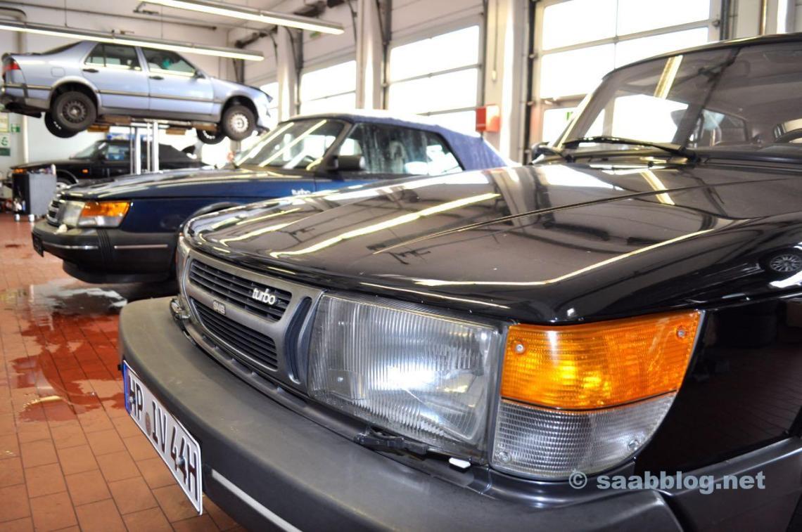 3 x Saab 900, 1 x Saab 9000. Volledige workshop bij Saab Service Frankfurt