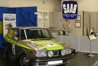 Stand de club Saab. Cuadro Juergen.