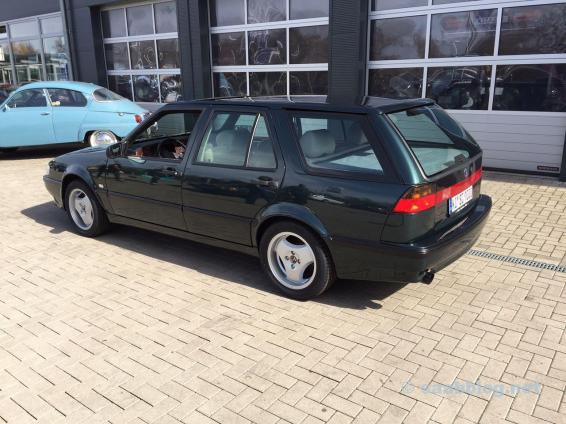 Erster Blick auf den neuen Saab. Die hinteren Scheiben noch ohnen Toenung.