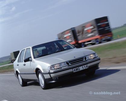 Saab 9000. Yougtimer com segurança ainda média.