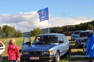 Bandeira Saab no vento ...