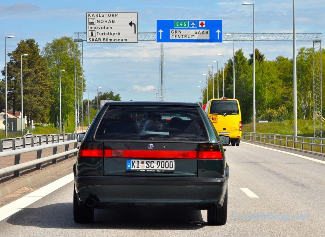 Saab 9000 SC in Trollhattan. Abbiegen zum Bil Museum oder in Richtung Saab Werk...