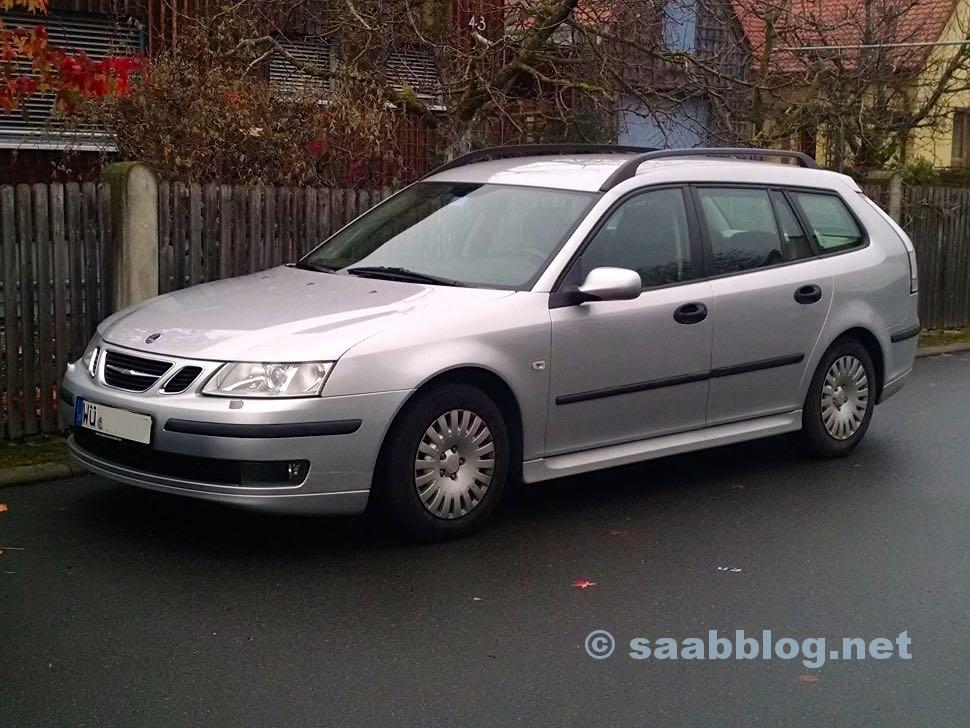 Saab 9-3 SC, logically with deer!