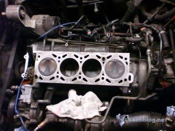Blick in den Motor: Zylinder in super Zustand.