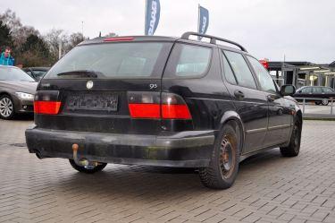Ein früher Saab 9-5 Kombi
