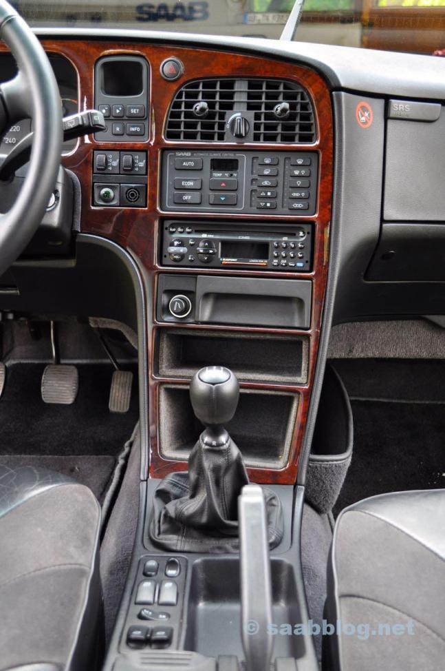 Saab 9000 CSE 2.3t, Юбилейный 1998, интерьер черный