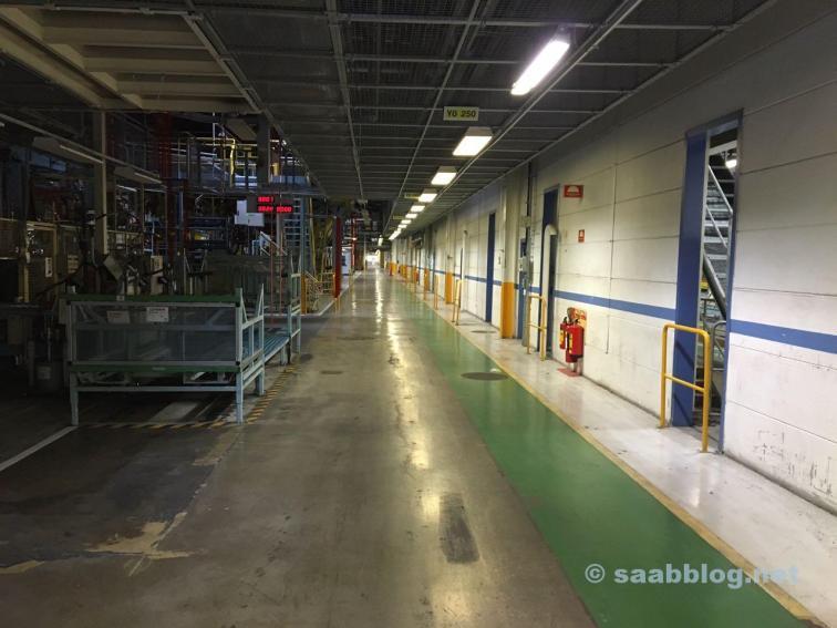 Длинные коридоры на старом заводе Saab