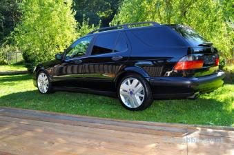 ... por lo que el Saab tiene un aspecto moderno.