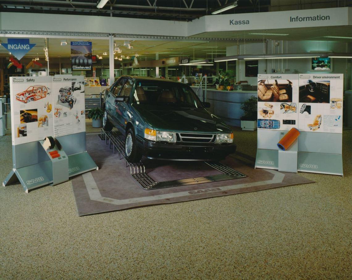 Saab 9000 CC 1986 im Showroom. Vermutlich ANA Trollhattan.