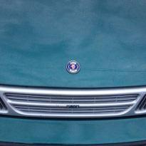 O logotipo: Saab-Scania
