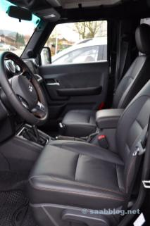 Leather seats with contrasting stitching