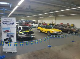 Op de voorgrond Saab R900. Afbeelding: 1.deutscher Saab Club