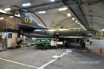 oder die Saab 32 Lansen, die bis 1997 im Betrieb war.