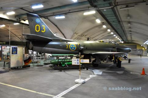 eller Saab 32 Lansen, som var i drift tills 1997.