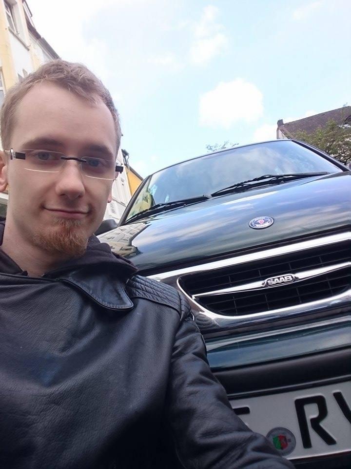 Saab Leidenschaft, Jonas ist stolzer Saab Fan.