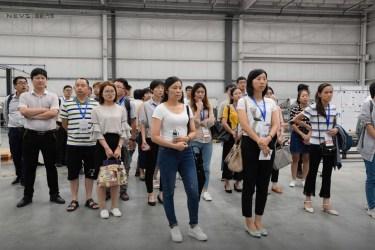 Besökargrupp ... Foto Kredit: NEVS