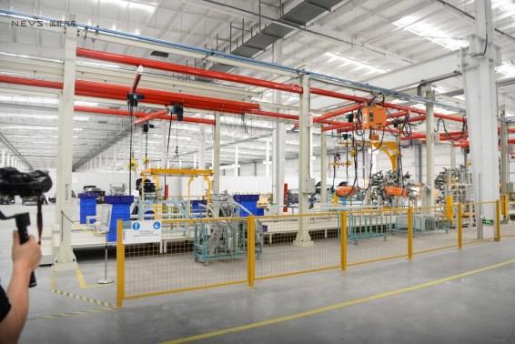 Utsikt över produktionsanläggningarna. Foto Kredit: NEVS